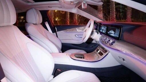 Mercedes CLS interior blanco